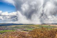 Regenwolke mit Wolkenbruch