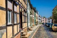 bernau bei berlin, deutschland - 30.04.2019 - altbauten und neubauten
