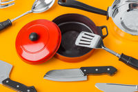Toy kitchenware