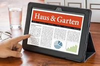 A tablet computer on a desk - House and Garden - Haus und Garten German