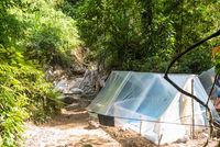 Zweites Lager in der Nähe der heißen Quellen des Gurah im Dschungel von Ketambe