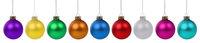 Weihnachten bunte Weihnachtskugeln Kugeln Kugel Farben in einer Reihe isoliert freigestellt Freisteller