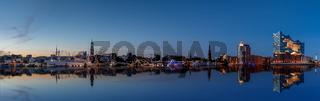 Skyline Hamburg mit Spiegelung      29.09.2020  schutterstock abgelehnt   adobe.jpg
