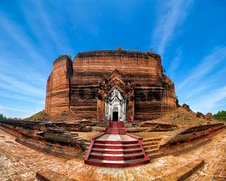 Pa Hto Taw Gyi Pagoda ruins. Mingun, Myanmar
