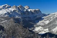 Malerische Dolomiten Landschaft im Winter, Alta Badia, Dolomiten, Südtirol, Italien