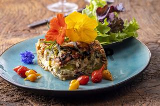 französische Quiche mit Salat