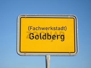 Ortsschild Fachwerkstadt Goldberg