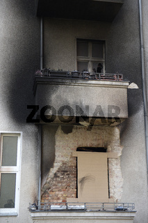Wohnhaus in Berlin nach Brand in der Silvesternacht