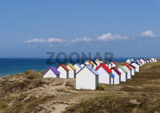 Strandhütten in den Dünen von Gouville sur Mer