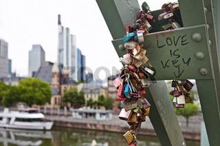 F_Love is key_03.tif