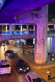 Strasse unter Hochbahn, Bangkok, Thailand