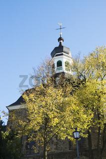 Pfarrkirche St. Mariä Himmelfahrt in Solingen-Gräfrath, NRW, Deutschland