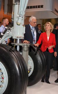 Bundesministerin Ursula von der Leyen auf der Luftfahrtmesse 'ILA' Berlin