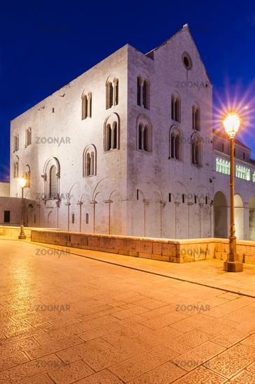 Ostwerk und Nordwerk der Kathedrale Basilica San Nicola