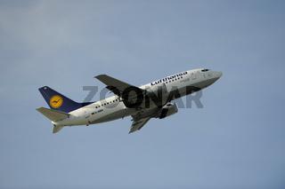 Boeing 737-500 der Lufthansa beim Start