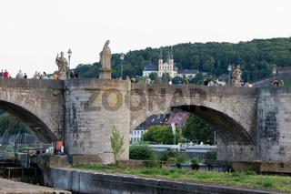 Heiligenfiguren auf der Alten Mainbrücke