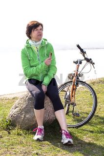 Cyclist takes a break