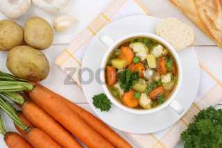 Gemüsesuppe Gemüse Suppe in Suppentasse von oben