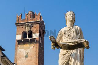 Madonna Verona in Piazza delle Erbe