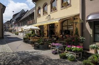 Blumengeschäft in der Altstadt von Staufen