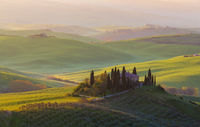 Bauernhaus der Toskana morgens Sonnenaufgang