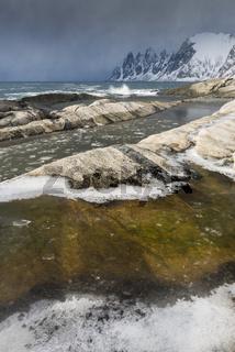Schneeschauer, Okshornan, Senja, Norwegen
