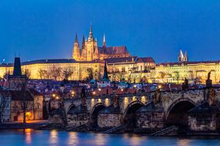 Prager Burg mit Veitsdom Kathedrale auf dem Hradschin