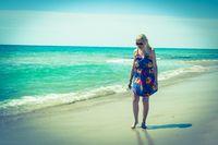 Frau am Strand, Tunesien