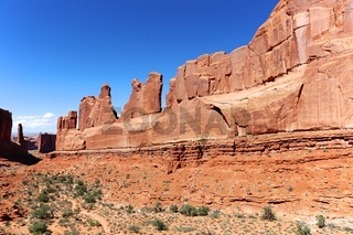 amazing park avenue trail at arches national park USA