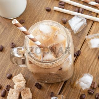Eiskaffee in vintage Krug