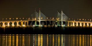 Penang Bridge 1 bei Nacht