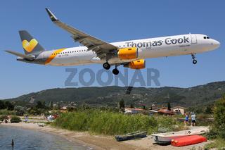 Thomas Cook Airlines Airbus A321 Flugzeug Flughafen Skiathos