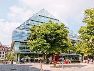 Glaspyramide Bibliothek Ulm