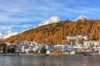 St. Moritz-Bad im Herbst im Engadin