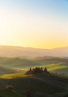 Bauernhaus der Toskana Sonnenaufgang hoch