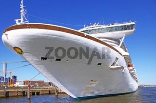 Kreuzfahrtschiff Caribbean Princess beim 827. Hafengeburtstag in Hamburg, 2016, Cruiser Caribbean Princess at 827th Birthday of the Port of Hamburg 2016, Germany, 5th May 2016