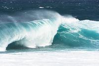 wildes Wellenspiel