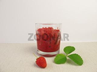 Geeister Fruechte Smoothie aus Erdbeeren