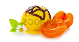 Ice cream with abricot.