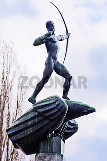 The archer (1913) Sculpture by Carl Milles (1875-1955)