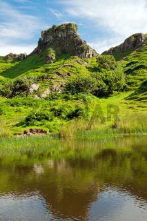 Das liebliche Fairy Glen auf der Isle of Skye