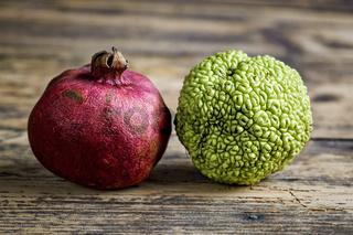 Granatapfel und Milchorange