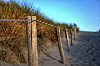 Übergang über Dünen zum Meer