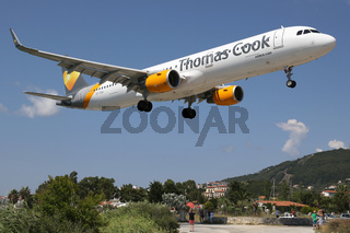 Thomas Cook Airbus A321 Flugzeug Flughafen Skiathos