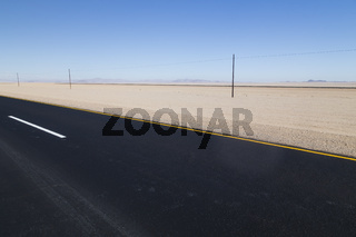 Strasse in der Wüste, highway in the desert, Namibia
