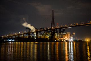 Köhlbrandbrücke bei Nacht, Hamburg