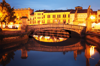 Bridge on Prato della Valle at dusk