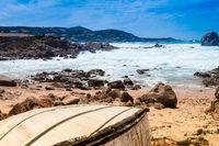 Strand mit Ruderboot
