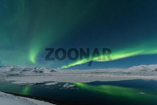 Polarlicht ueber der Gletscherlagune Joekulsarlon -Island-