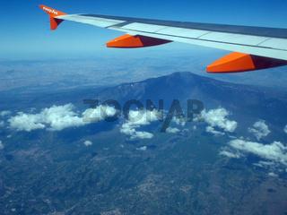 Flug über den Vulkan Aetna auf Sizilien